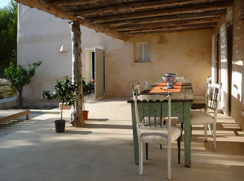 Rivestimenti esterno pavimenti dehor e piscine resinate for Zoccolo esterno